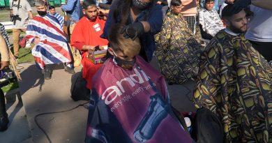 Gran fiesta de peluqueros y barberos