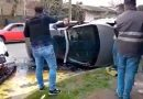 Robaron una rueda y volcaron al intentar huir de la policía