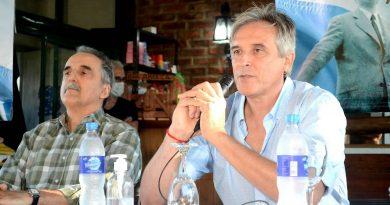Claudio Ferrari: Intentaron que me bajara, pero voy a competir en las elecciones